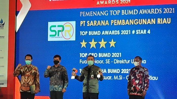 SPR Raih Top BUMD Award 2021 Bersama Gubernur Sebagai Pembina Terbaik BUMD
