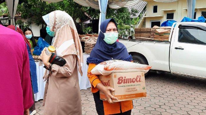 Disperindag Dumai dan Provinsi Gelar Pasar Murah, 'Emak-Emak' Langsung Mengantre