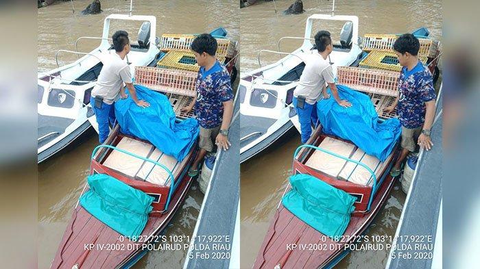 Cegat Speedboat di Terusan Mas, Polisi Amankan 10 Kardus Rokok Ilegal