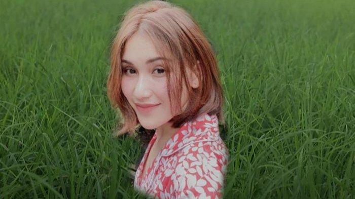 Doa Ayu Ting Ting Setelah Batal Nikah dengan Adit Jayusman, Ungkap Syarat Calon Suaminya. Foto: Ayu Ting TingSyarat Calon Suaminya