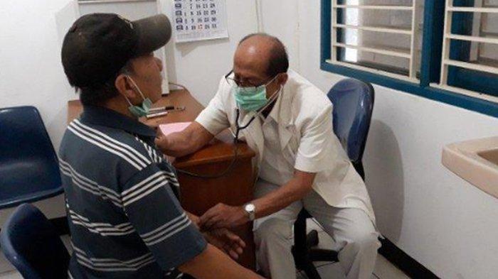Senang Mengobati dan Ada Kepuasan di Batin, Dokter Mangku Sitepoe Rela Dibayar 10 Ribu Oleh Pasien