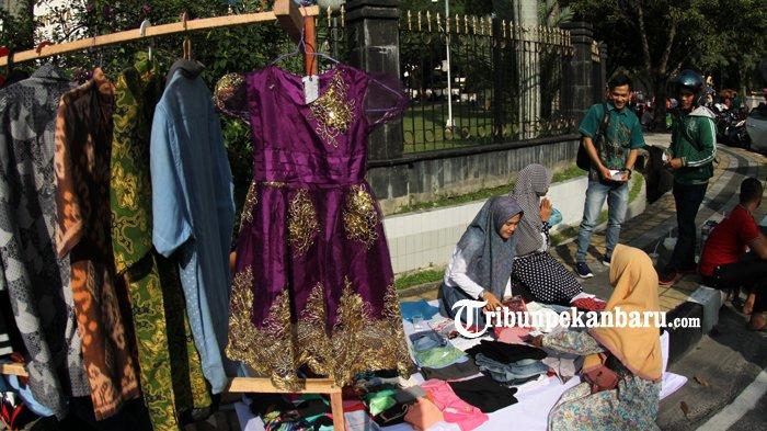 FOTO: Penjualan Baju Layak Pakai untuk Membantu Korban Gempa Lombok - dompet-dhuafa-donasi-untuk-korban-gempa-lombok_20180902_162554.jpg