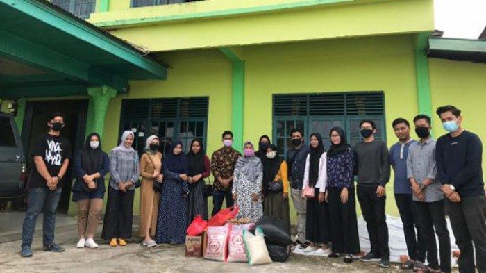 Mahasiswa dan Pelajar Bangkinang Salurkan Donasi Uang Tunai Hingga Sembako untuk Dua Panti Asuhan