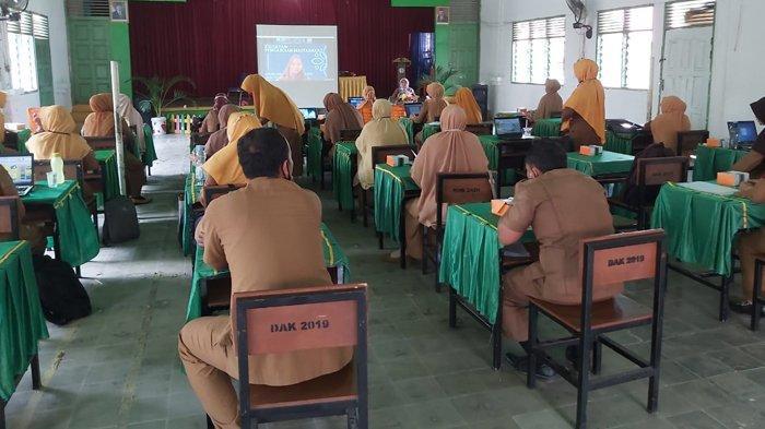 Dosen Prodi Biologi UIR Gelar Pelatihan untuk Guru SD di Kampar