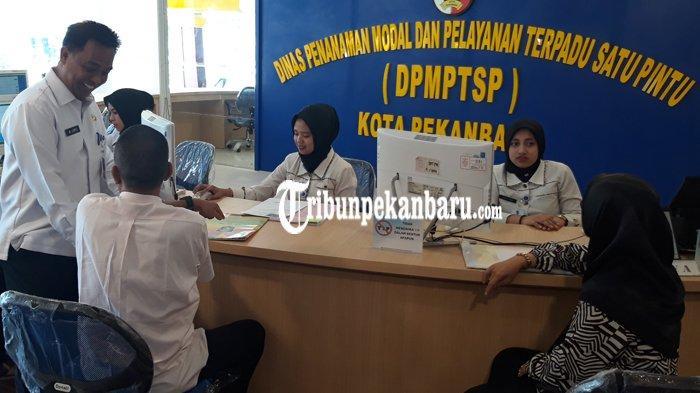 DPM PTSP Pekanbaru Buka Layanan di MPP, Masyarakat Berdatangan Mengurus Izin