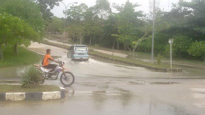 Drainase Buruk Juga Terjadi di Wilayah Perkantoran Pemkab Pelalawan