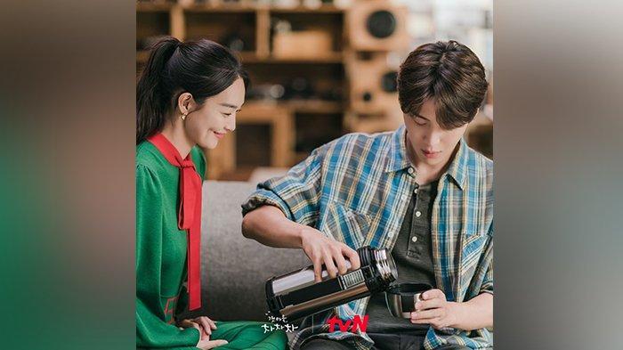 Nonton Drama Korea Hometown Cha Cha Cha Episode 13, Hye Jin Segera Tahu Masa Lalu Kepala Hong?