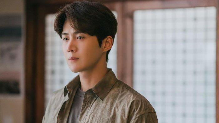 Preview Drama Korea Hometown Cha Cha Cha Episode 14, Hye Jin Minta Kejelasan Kepala Hong