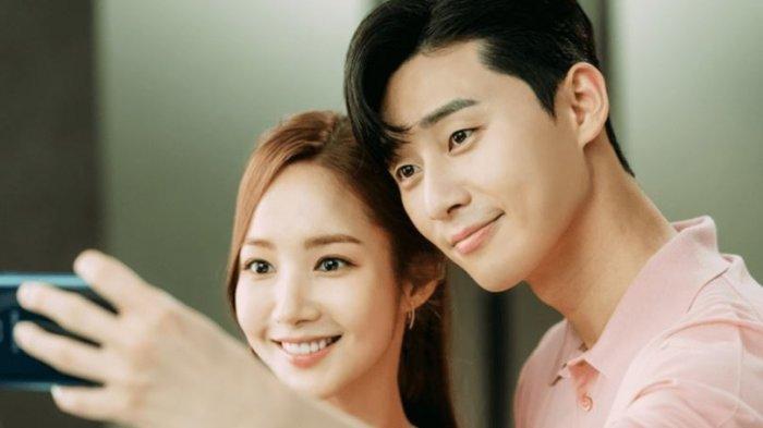 10 Drama Korea Romantis 2018 yang Cocok Buat Menemani Malam Minggu Kamu, Siap-siap Baper!