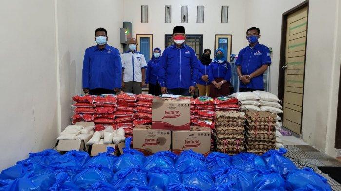 Dua Dekade Partai Demokrat, Anggota DPRD Pekanbaru Aidil Amri Bagikan 100 Paket Sembako