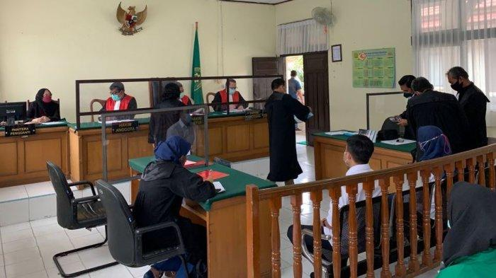 Dua Oknum Pegawai Imigrasi Pekanbaru Jalani Sidang Perdana Perkara Dugaan Pungli Pengurusan Paspor