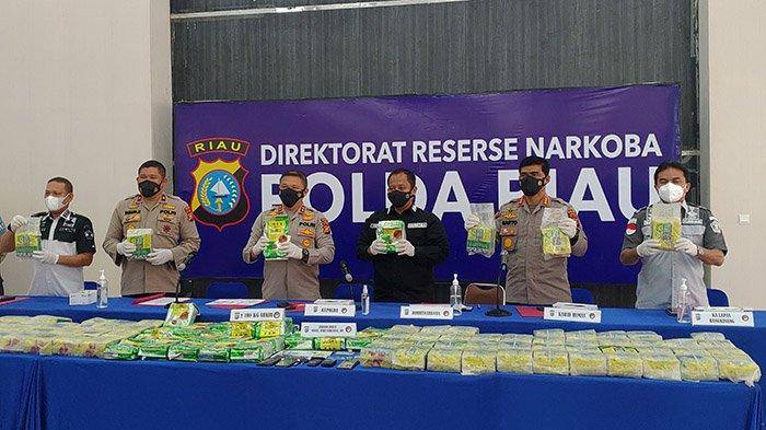 Abang Adik Kurir 108 Kg Sabu dari Malaysia Dibekuk Polda Riau, Dibuntuti Sejak Masuk dari Bengkalis