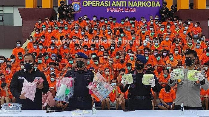 Foto : 463 Pelaku Narkoba Diciduk Selama Ops Antik Lancang Kuning 2021 di Riau