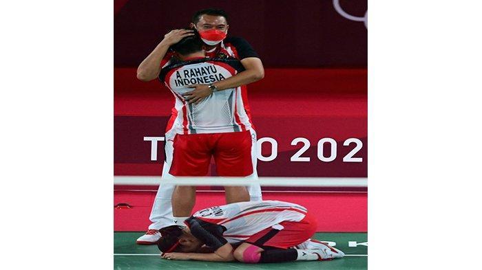 Eng Hian Pelatih ganda Putri Indonesia saat merayakan kemenangan Greysia Polii dan Apriyani Rahayu meraih medali emas olimpiade Tokyo 2020