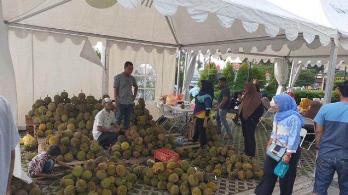 Festival Makan Durian Sepuasnya di Living Word Pekanbaru, Suguhkan Sensasi Kenikmatan Durian Bakar