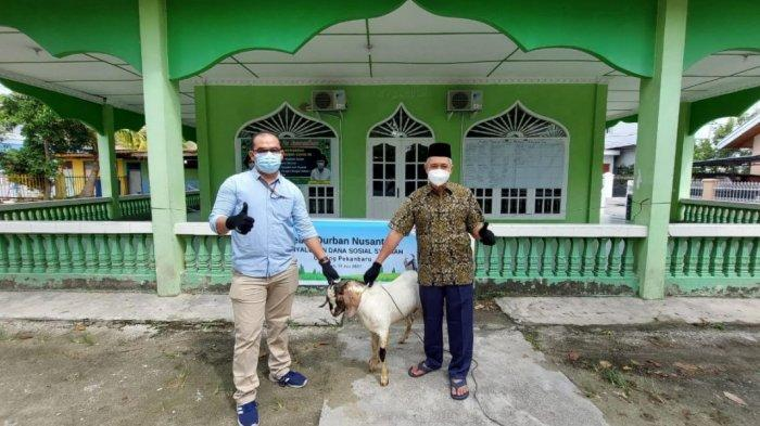 FIF Group Tebar Kurban 373 Kambing dan 3 Sapi di 235 Titik se-Indonesia
