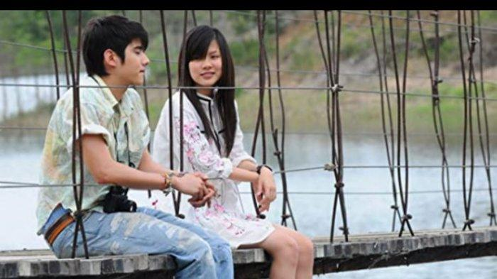 LINK Film Crazy Little Thing Called Love Sub Indo, Nonton Crazy Little Thing Called Love Streaming