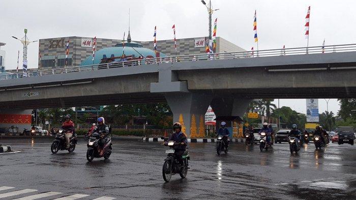 Kecelakaan di Pekanbaru, Pengendara Motor Senggol Median Fly Over Lalu Terjungkal, Begini Kondisinya