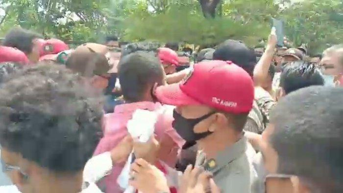Sempat Terjadi Aksi Dorong pada Aksi Demo di DPRD Kampar Riau, Terkait Kinerja Dinas PUPR