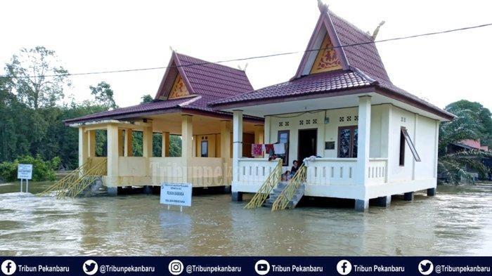 Foto-foto Banjir di Desa Lubuk Kembang Bunga Kecamatan Ukui Kabupaten Pelalawan - foto-foto-banjir-di-desa-lubuk-kembang-bunga-kecamatan-ukui-kabupaten-pelalawan.jpg