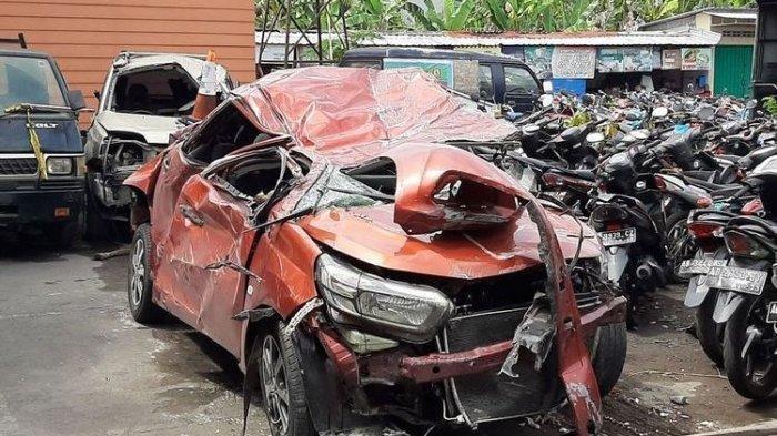 Kecepatan Tinggi Mobilio Renggut Nyawa Ibu dan Anak di Kampar, Kecelakaan Terlihat Jelas di CCTV