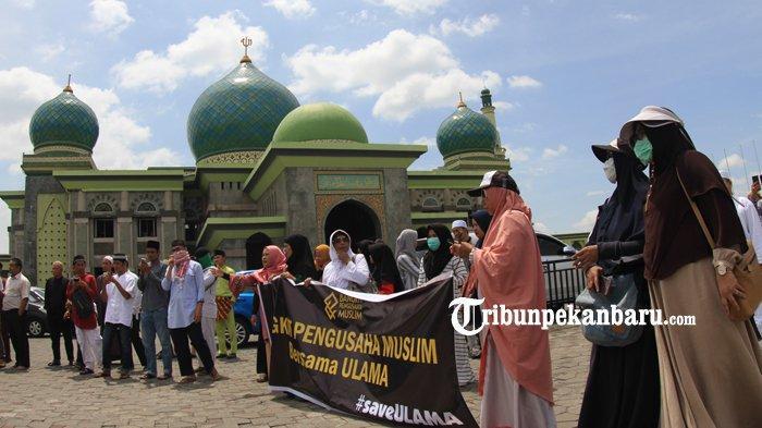 FOTO: Aksi Bela Ustaz Abdul Somad di Masjid An Nur Pekanbaru - foto_aksi_bela_uas_di_masjid_an_nur_pekanbaru_2.jpg