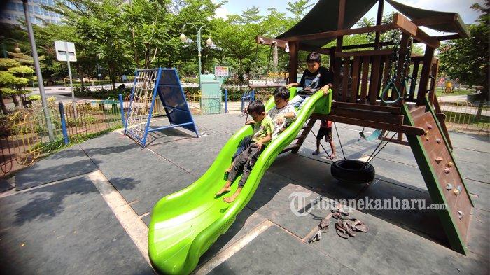 FOTO: Bermain di Ruang Terbuka Hijau di Pekanbaru - foto_bermain_di_ruang_terbuka_hijau_kaca_mayang_pekanbaru_1jpg.jpg