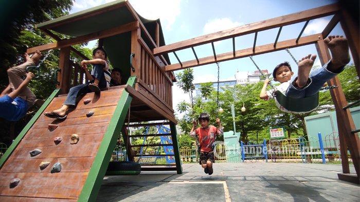 FOTO: Bermain di Ruang Terbuka Hijau di Pekanbaru - foto_bermain_di_ruang_terbuka_hijau_kaca_mayang_pekanbaru_2jpg.jpg