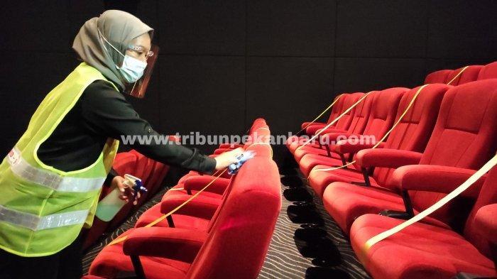 FOTO: Bioskop di Pekanbaru Kembali Buka, Terapkan Protokol Kesehatan - foto_bioskop_di_pekanbaru_kembali_buka_3.jpg