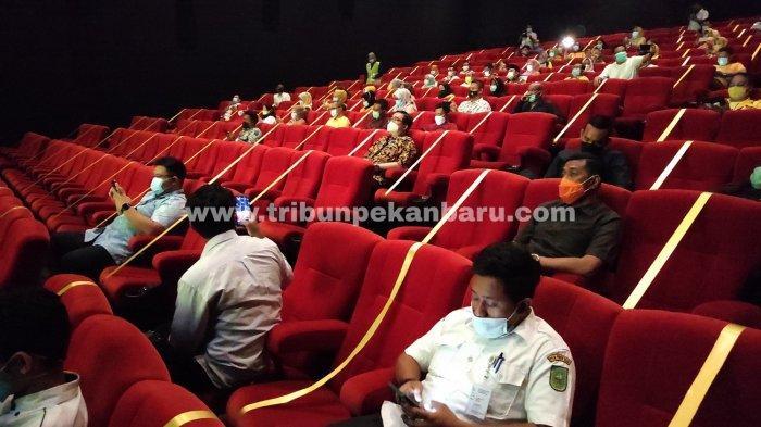 FOTO: Bioskop di Pekanbaru Kembali Buka, Terapkan Protokol Kesehatan - foto_bioskop_di_pekanbaru_kembali_buka_terapkan_protokol_kesehatan_1.jpg