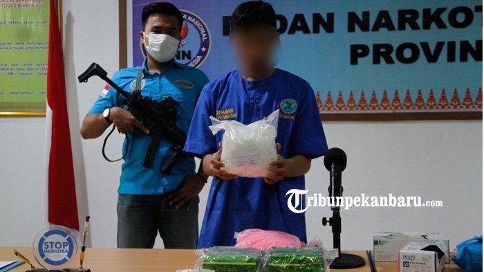 Polisi Tangkap Pengedar Narkotika di Pekanbaru, 1 Kg Lebih Sabu Diamankan, Begini Sistem Transaksi