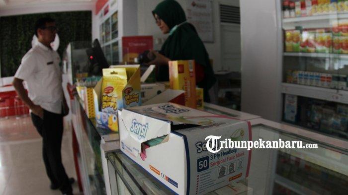 Waspada Virus Corona, Polisi Sambangi Gudang Cek Stok Masker di Pekanbaru, Ini Hasilnya