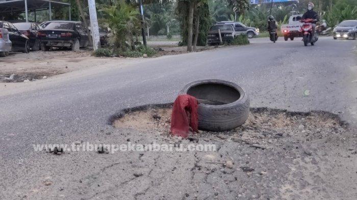 FOTO: Jalan Rusak di Jalan Srikandi Pekanbaru - foto_jalan_rusak_di_jalan_srikandi_pekanbaru_2.jpg