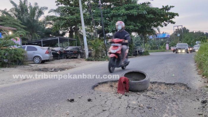 FOTO: Jalan Rusak di Jalan Srikandi Pekanbaru - foto_jalan_rusak_di_jalan_srikandi_pekanbaru_3.jpg
