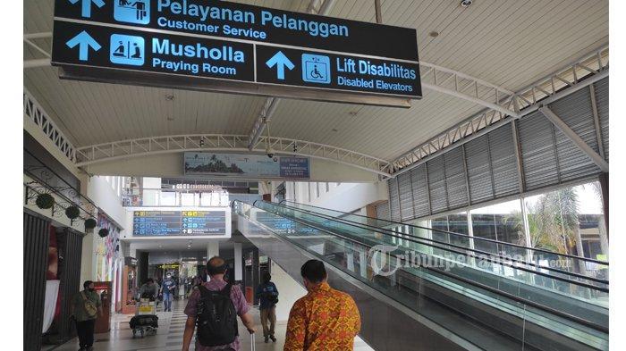 FOTO: Jelang Larangan Mudik, Bandara SSK II Pekanbaru Terlihat Sepi - foto_jelang_larangan_mudik_bandara_ssk_ii_pekanbaru_terlihat_sepi_2.jpg