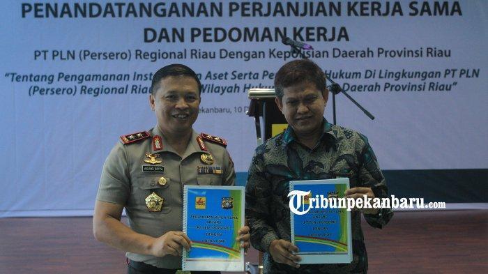 FOTO: Kapolda Riau Tandatangani Perjanjian Kerjasama dengan PLN Soal Pengamanan Instalasi dan Aset - foto_kapolda_riau_tandatangani_perjanjian_kerjasama_dengan_pln_soal_pengamanan_instalasi_dan_aset1.jpg