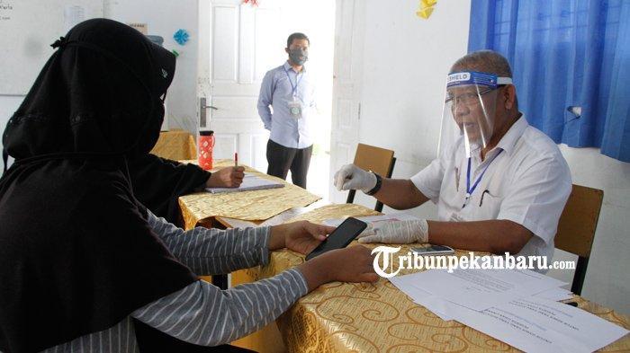 FOTO: Konsultasi PPDB Online di SMA Negeri 8 Pekanbaru - foto_konsultasi_ppdb_online_di_sma_negeri_8_pekanbaru_2.jpg