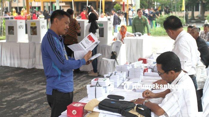 FOTO: KPU Riau Gelar Simulasi Pemungutan dan Penghitungan Suara Pemilu 2019 - foto_kpu_riau_gelar_simulasi_pemungutan_dan_penghitungan_suara_pemilu_2019_2.jpg