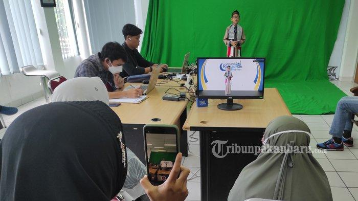 FOTO: Lomba Dai Cilik Semarak Ramadan 1442 H yang Ditaja Tribun Pekanbaru - foto_lomba_dai_cilik_semarak_ramadan_1442_h_yang_ditaja_tribun_pekanbaru-2.jpg