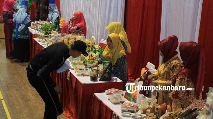 FOTO: Lomba Menu Berbahan Sagu Meriahkan Festival Pangan Lokal di Pekanbaru - foto_lomba_menu_berbahan_sagu_meriahkan_festival_pangan_lokal_di_pekanbaru_2.jpg