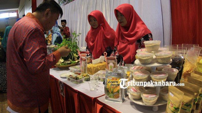 FOTO: Lomba Menu Berbahan Sagu Meriahkan Festival Pangan Lokal di Pekanbaru - foto_lomba_menu_berbahan_sagu_meriahkan_festival_pangan_lokal_di_pekanbaru_5.jpg