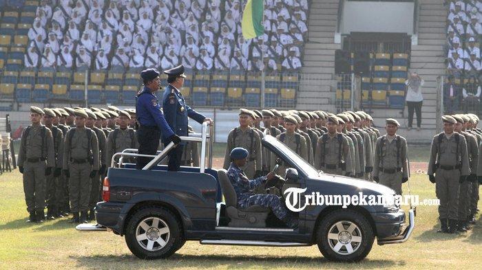 FOTO: Mendagri Pimpin Upacara HUT Damkar di Stadion Kaharudin Nasution Pekanbaru - foto_mendagri_pimpin_upacara_hut_damkar_di_stadion_kaharudin_nasution_pekanbaru_2.jpg