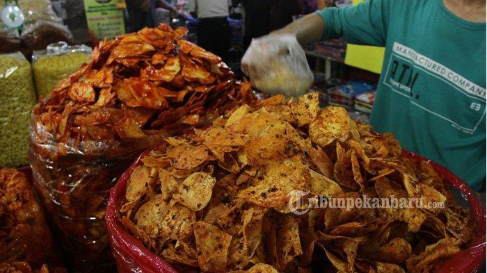 FOTO: Oleh-oleh di Pasar Bawah Pekanbaru - foto_oleh-oleh_di_pasar_bawah_pekanbaru_2.jpg