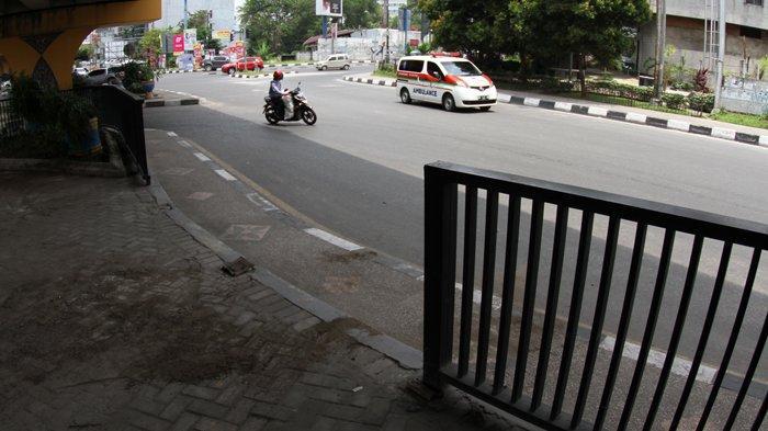 FOTO: Pagar Taman di Bawah Flyover Jalan Sudirman Pekanbaru Hilang Dicuri - foto_pagar_taman_di_bawah_flyover_jalan_sudirman_pekanbaru_hilang_dicuri_4.jpg