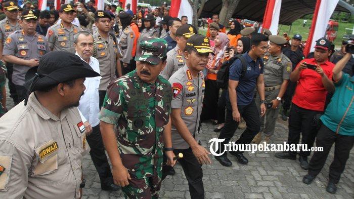 Panglima TNI dan Kapolri ke Pekanbaru, Gubri Syamsuar Minta Bupati dan Walikota Siap Hadapi Karhutla