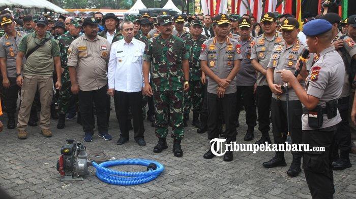 Panglima TNI dan Kapolri Tiba di Lanud Roesmin Nurjadin Pekanbaru, Ditunggu Sejumlah Pejabat Utama