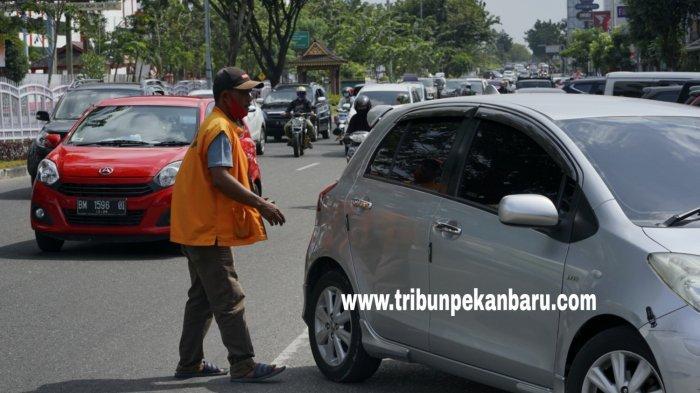 DPRD Pekanbaru Pertanyakan Sayembara Parkir Tepi Jalan, Dilanjutkan Atau Tetap Dikelola Dishub?