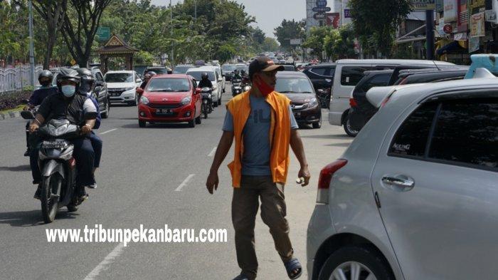 FOTO: Parkir di Tepi Jalan Pekanbaru akan Dikelola Swasta - foto_parkir_di_tepi_jalan_pekanbaru_akan_dikelola_swasta_3.jpg