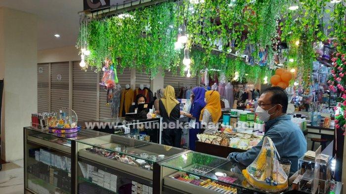 FOTO: Pedagang STC Pekanbaru Kembali Berjualan - foto_pedagang_stc_pekanbaru_kembali_berjualan_2.jpg