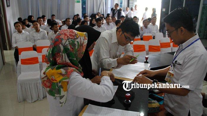 FOTO: PelaksanaanTes CAT CPNS 2019 di BKN Kanreg XII Pekanbaru - foto_pelaksanaan-tes_cat_cpns_2019_di_bkn_kanreg_xii_pekanbaru_3.jpg